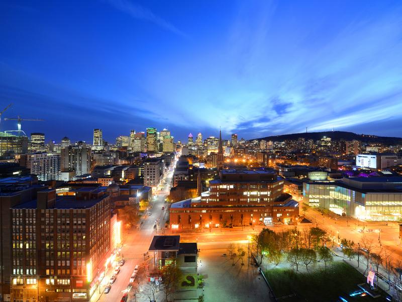 Ville de Montréal au coucher du soleil.
